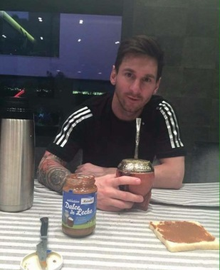 Messi copying Chris's breakfast lol!